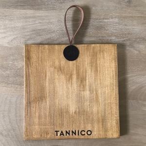 Tagliere in legno con manico in cuoio